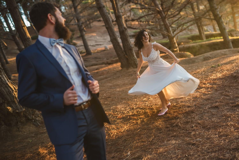 Diego Mena Fotografía documental de Matrimonios-sesión Trash The Dress-Playa el Canelo-Valparaiso