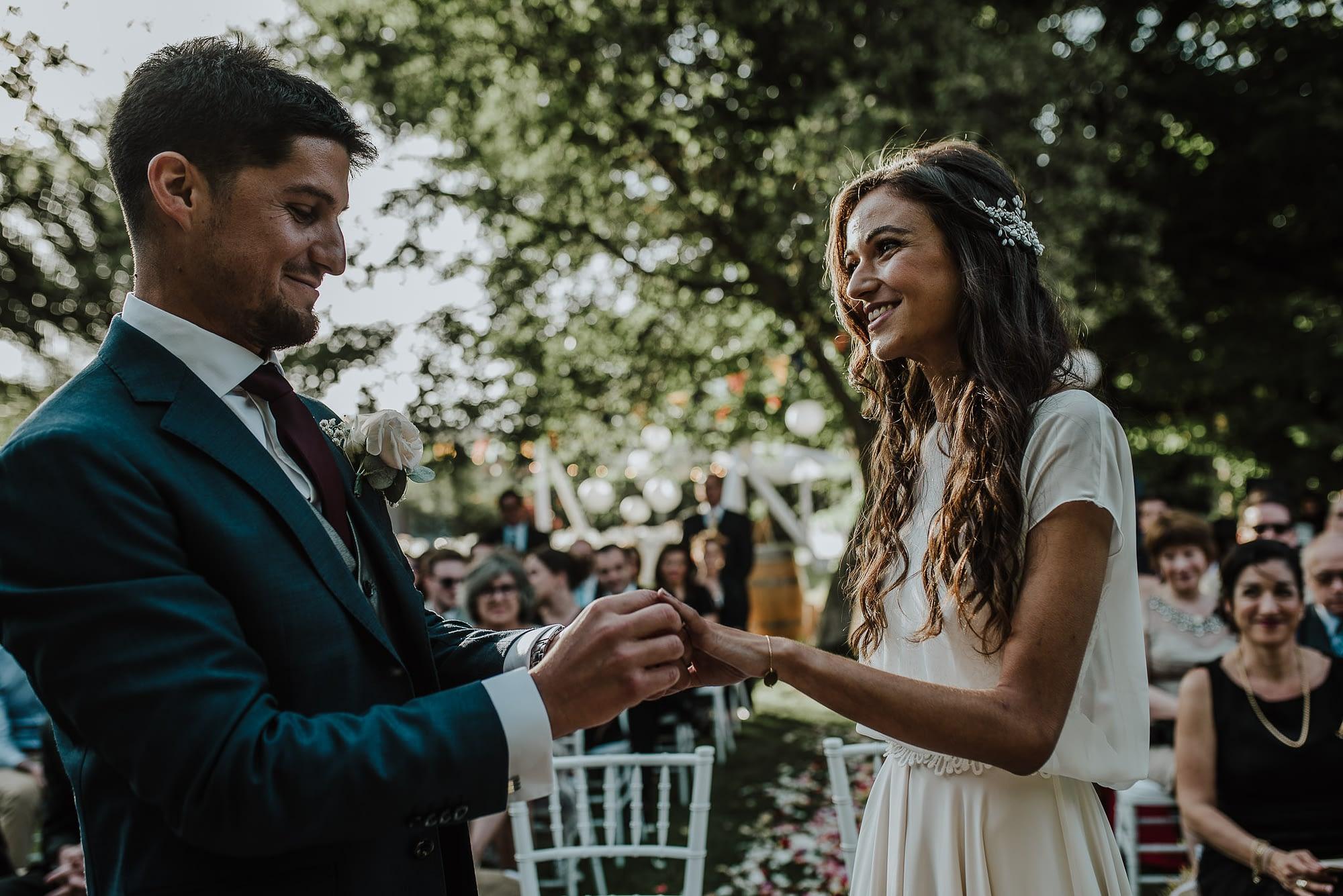ceremonia-casa de campo fuller-novios-anillos de novios